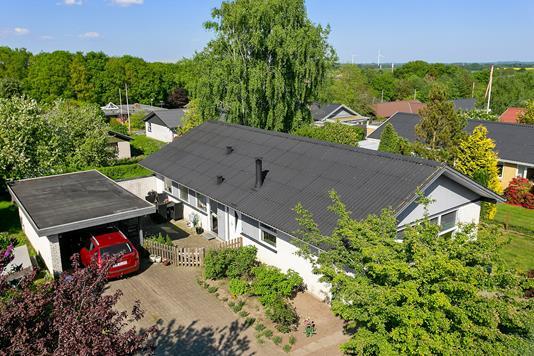 Villa på Egevænget i Stoholm Jyll - Set fra vejen
