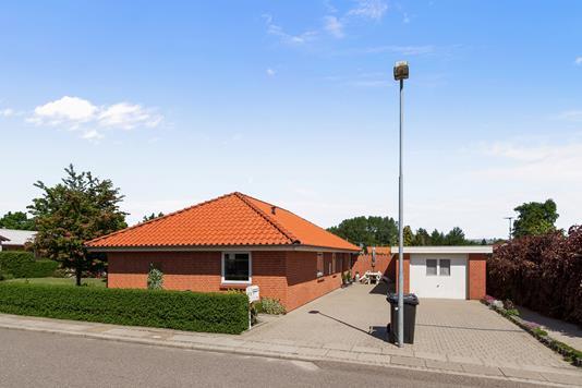 Villa på Nygade i Stoholm Jyll - Set fra vejen