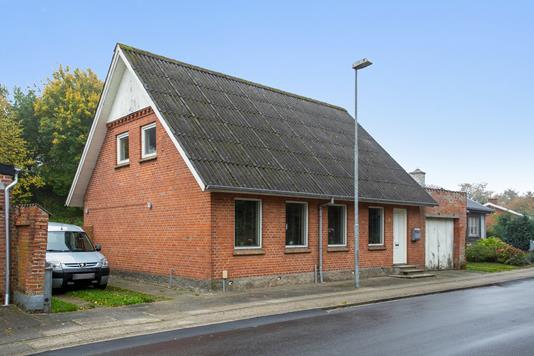 Villa på Trevadvej i Skive - Set fra vejen