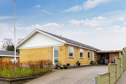 Villa på Kærvej i Stoholm Jyll - Set fra vejen