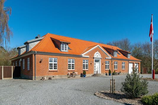 Villa på Ørslevklostervej i Højslev - Set fra vejen