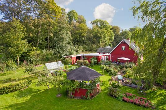 Villa på Lindenborgvej i Gistrup - Set fra haven