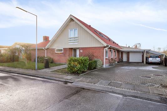 Villa på Bjørnsonparken i Sulsted - Set fra vejen