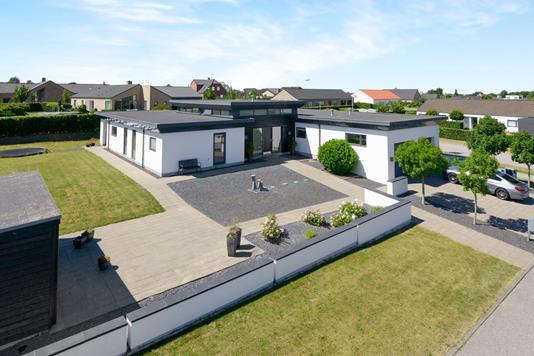 Villa på Eventyrbakken i Nibe - Ejendom 1
