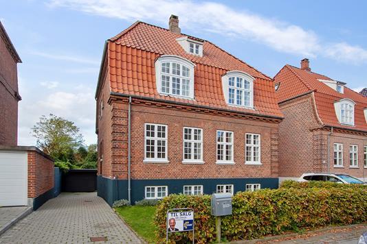 Villa på Schleppegrellsgade i Aalborg - Set fra vejen