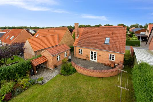 Villa på Heravej i Aalborg SØ - Set fra haven