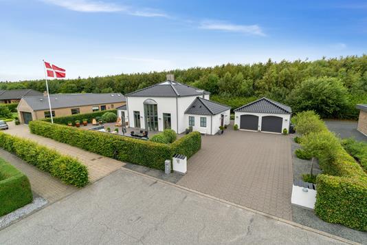 Villa på Nordvænget i Vodskov - Set fra vejen