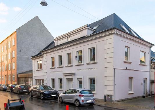 Ejerlejlighed på Helgolandsgade i Aalborg - Ejendommen