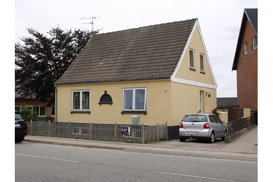 Villa på Vrængmosevej i Østervrå - Ejendommen