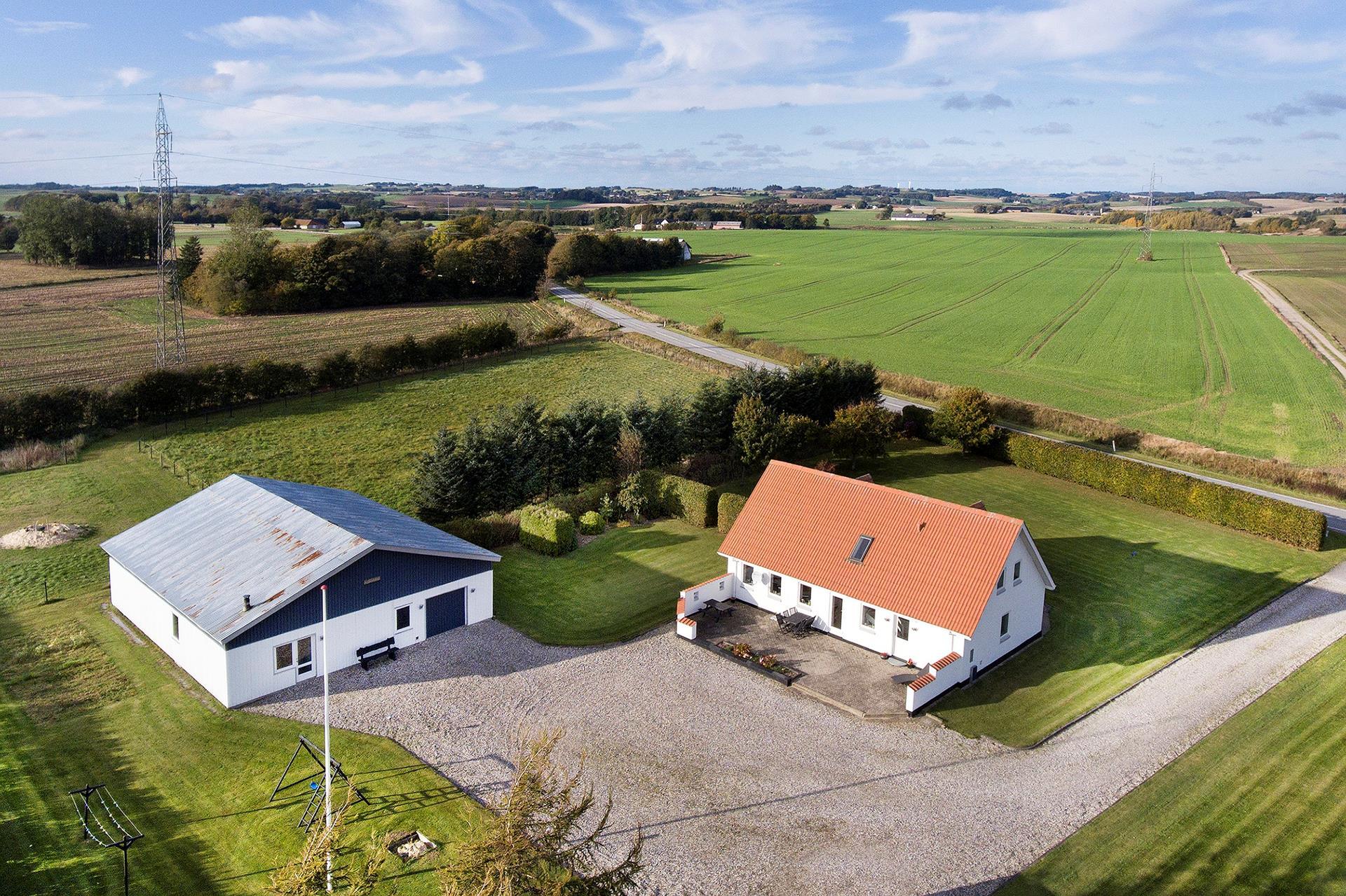 Landejendom på Stenhøjvej i Frederikshavn - Ejendommen