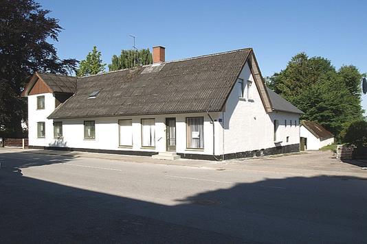Villa på Tryvej i Østervrå - Ejendommen