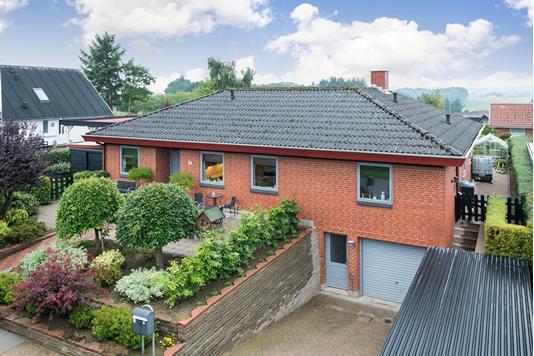 Villa på Blomstervænget i Østervrå - Ejendommen