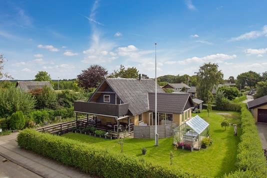 Villa på Skolevænget i Hjørring - Ejendommen