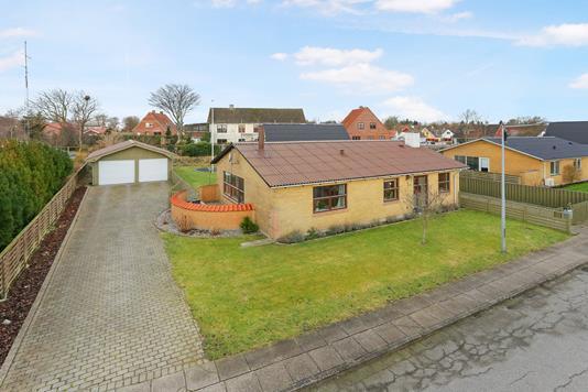 Villa på Kornvænget i Hjørring - Set fra vejen