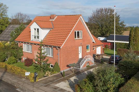 Villa på Stenhøjvej i Frederikshavn - Ejendommen