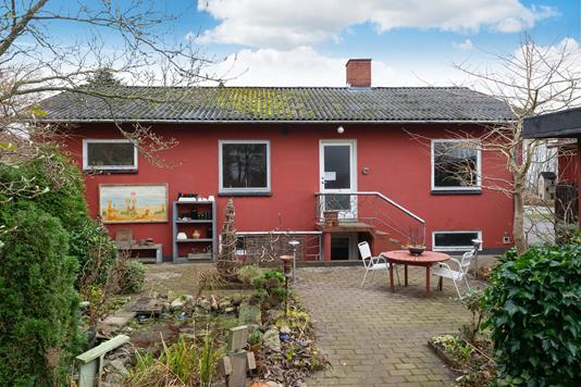 Villa på Rolighedsvej i Østervrå - Ejendommen