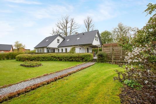 Villa på Hulvejen i Hornslet - Ejendommen