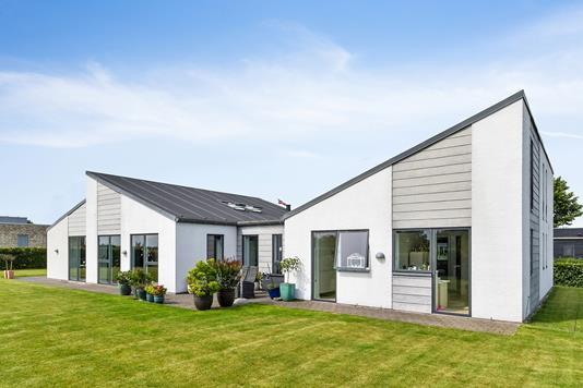 Villa på P. Vejsgaardsvænget i Ryomgård - Ejendommen