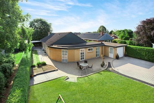 Villa på Rytterparken i Hornslet - Ejendommen