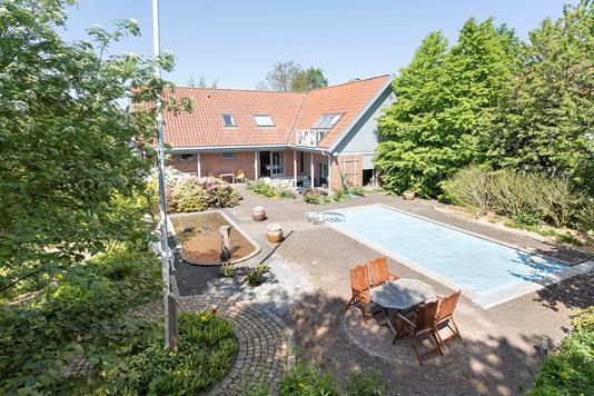 Villa på Ellekærparken i Hornslet - Ejendommen