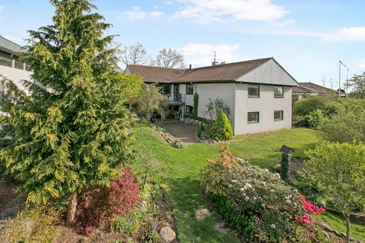 Villa på Alpedalen i Hornslet - Ejendom 1