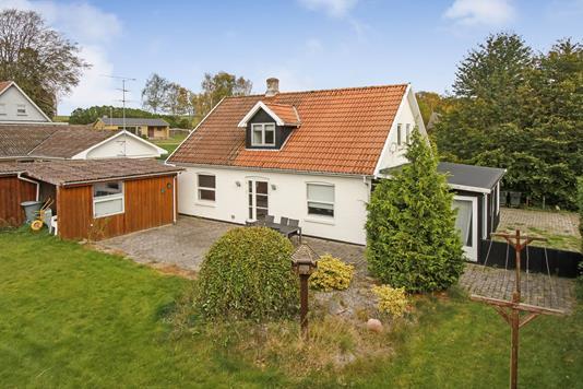 Villa på Slettenvej i Kolind - Ejendommen