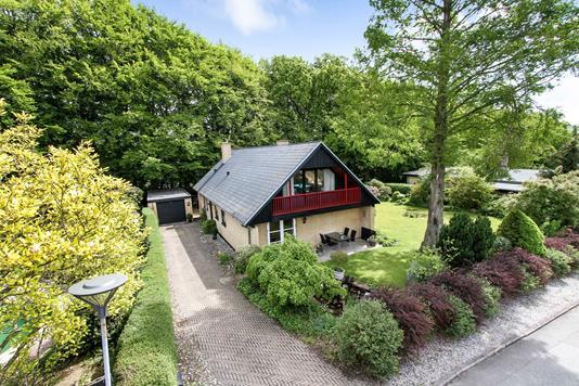 Villa på Skovsvinget i Hornslet - Ejendommen