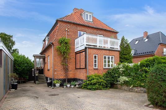 Villa på Tryggevældevej i Vanløse - Set fra vejen