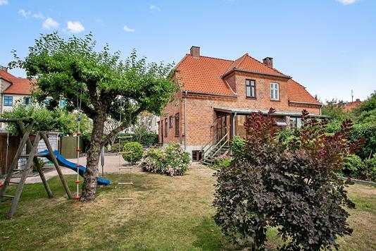 Villa på Høgholtvej i Vanløse - Ejendommen
