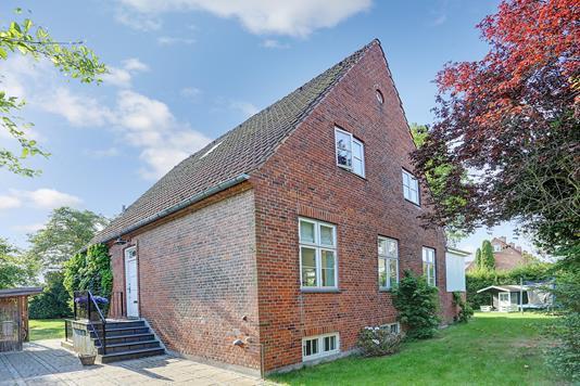 Villa på Ordrup Jagtvej i Charlottenlund - Ejendommen