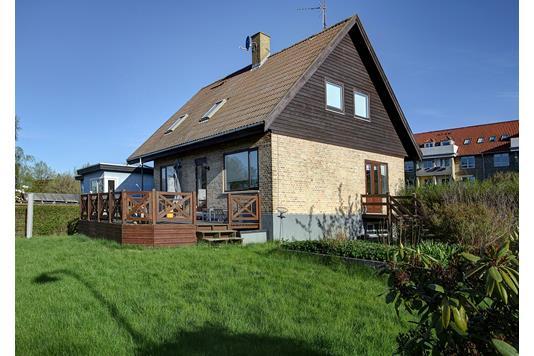 Villa på Ved Bommen i Gentofte - Ejendommen