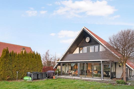 Villa på Brønderslev Alle i Kastrup - Ejendom 1
