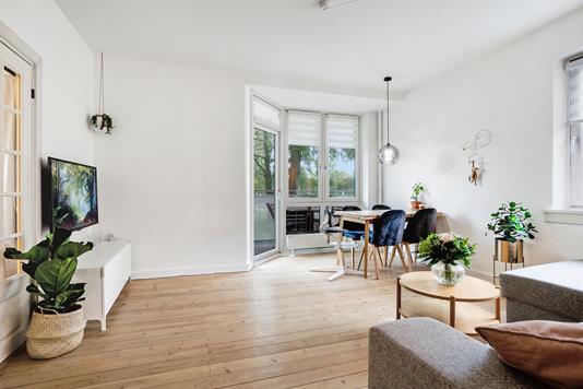 Ejerlejlighed på Helmer Søgårds Alle i Kastrup - Stue
