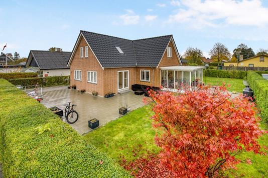 Villa på Farsøvej i Kastrup - Ejendommen
