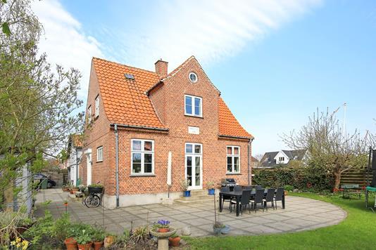 Villa på Knarreborgvej i Kastrup - Ejendommen
