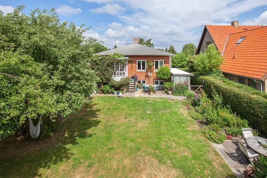 Villa på Stenlandsvej i København S - Ejendommen