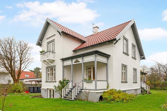 Villa på Schioldannsvej i Charlottenlund - Ejendommen