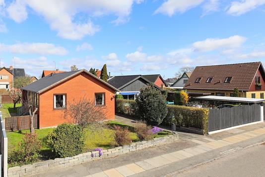 Villa på Agerlandsvej i København S - Ejendommen