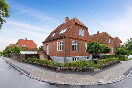 Villa på Tøxensvej i Køge - Set fra vejen