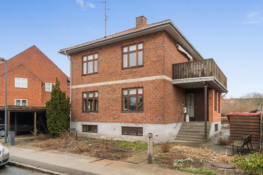 Villa på Bjergstedvej i Brønshøj - Set fra vejen