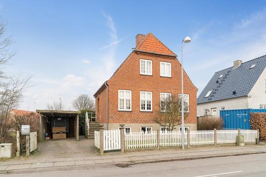 Villa på Zoffmannsvej i Køge - Set fra vejen