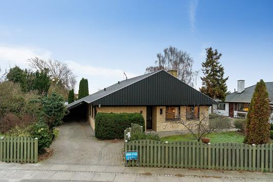 Villa på Bådsmandsvej i Brøndby Strand - Set fra vejen