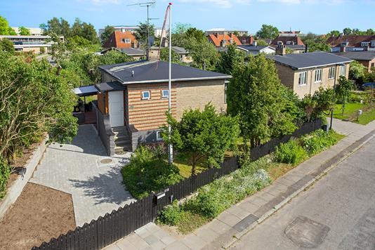 Villa på Hørtoftevej i Brønshøj - Set fra vejen