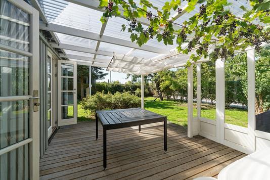 Villa på Birkevang i Brønshøj - Overdækket terrasse