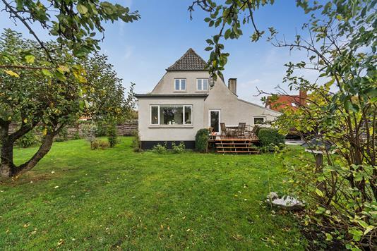 Villa på Korsager Allé i Brønshøj - Set fra haven