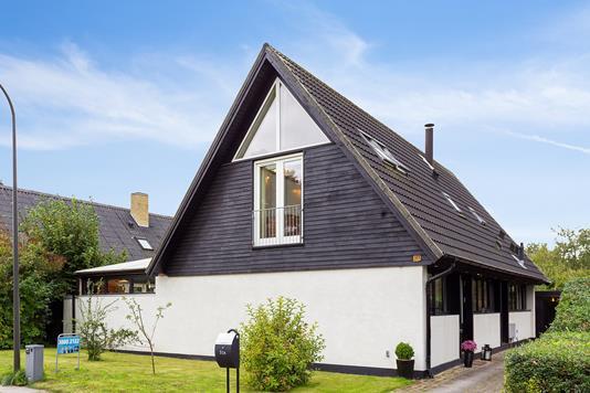 Villa på Gammelgårdsvej i Herlev - Set fra vejen