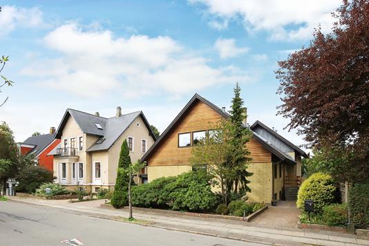 Villa på Kongens Tværvej i Frederiksberg - Ejendommen