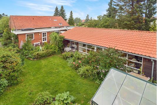 Villa på Virum Overdrevsvej i Virum - Ejendommen