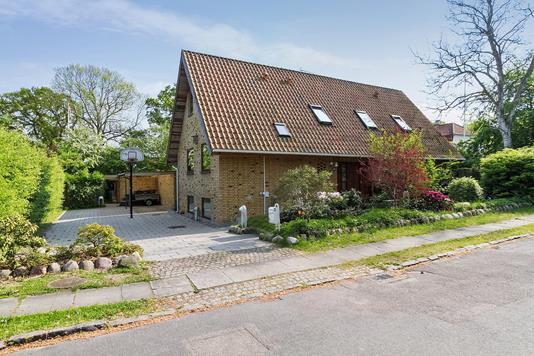 Villa på Birkholmsvej i Virum - Ejendommen