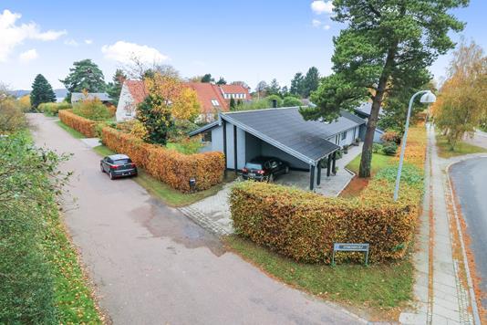 Villa på Dybensøvej i Virum - Mastefoto